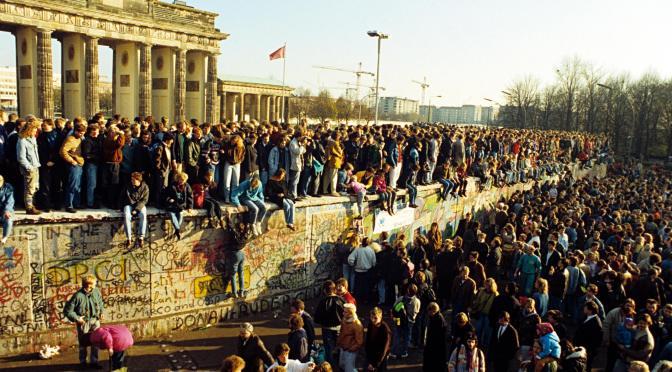 Europa de l'Est 1989: Una explicació d'allò succeït