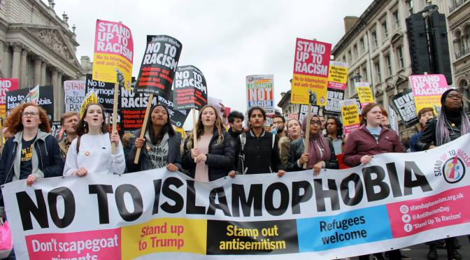 Després de l'atemptat de Westminster, unitat contra el racisme