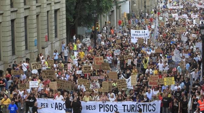 Turisme massificat: cal punxar les rodes del sistema