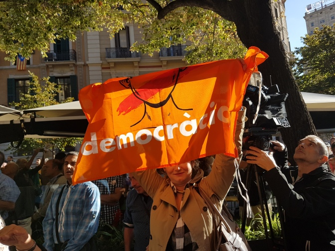 El Estado español intenta reprimir la democracia en Catalunya