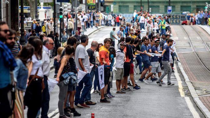 Cadena humana en Euskal Herria