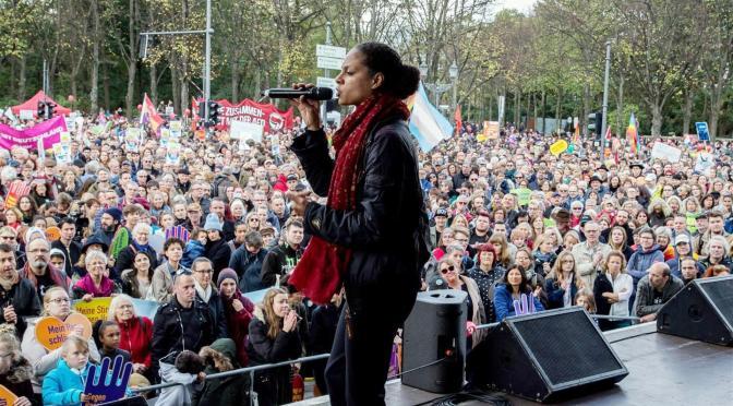 Alemania: 70.000 antirracistas protestan contra la extrema derecha en Berlín