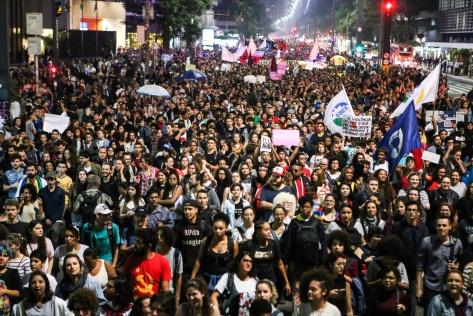 30-10-2018-manifestantes-avenida-paulista