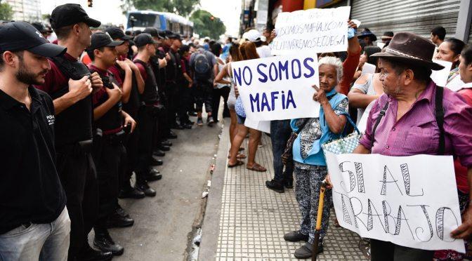 Buenos Aires: La batalla por Once y las mantas que pesan…