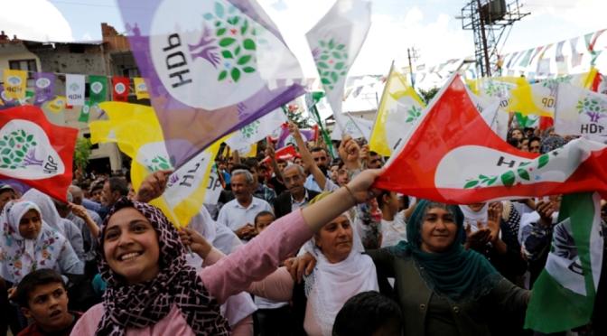 Kurdistán: la destitución de alcaldes por parte de Turquía es un ataque contra la democracia