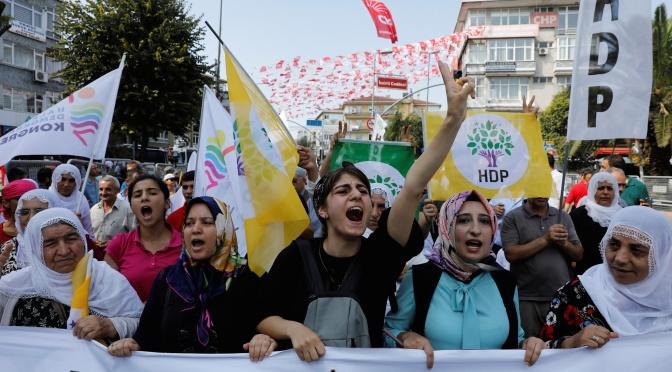 Kurdistan: la destitució d'alcaldes per part de Turquia és un atac contra la democràcia