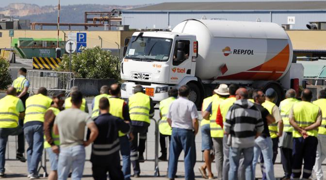 """El gobierno de """"izquierda"""" en Portugal utiliza tropas para romper la huelga indefinida de los conductores de camiones cisterna"""