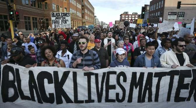 Hem de combatre tota mena de racisme