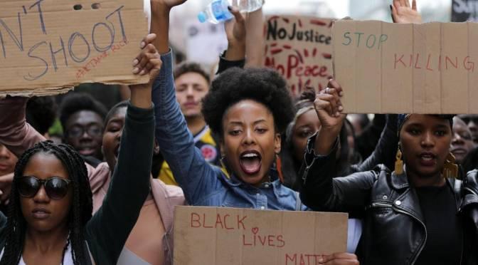 Ante un levantamiento nacional contra el racismo, Trump ataca a Antifa para desviar la ira